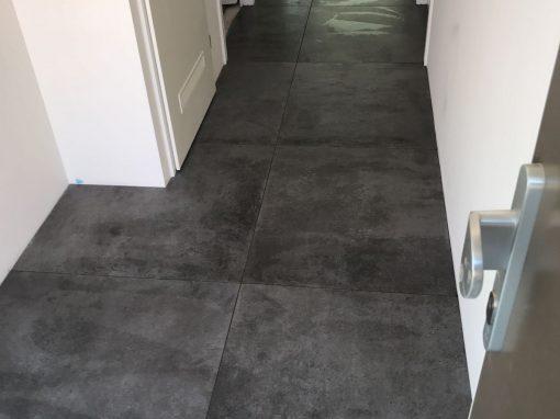 Betonlook tegel gerectificeerd 90 x 90 cm